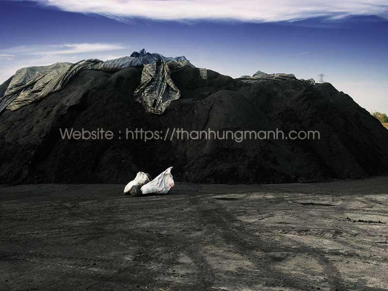 Cảng than cám Hùng Mạnh